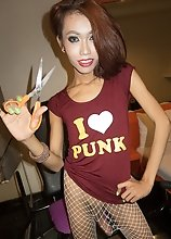 Ladyboy Many - Punk Vasoline Bareback & Cum eating