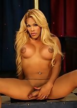 Blonde hottie Jenna stripping and pole dancing